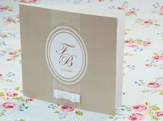"""Onze chique kaart """" Parels taupe """"  met strikje! Bekijk hem hier: http://www.planet-cards.nl/huwelijksuitnodigingen-linten-strikken"""