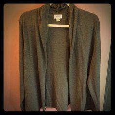 Old Navy grey sweater NWT Old Navy grey sweater NWT. Open drape cardigan. ⭐️make me an offer⭐️ no trades. MS20 Old Navy Sweaters Cardigans