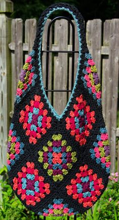 Granny Square Tote Bag : Granny Square Bag on Pinterest Crochet Bags, Crocheted Purses and ...