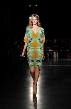 great for muggy days - Matthew Williamson Spring 2012