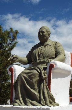 Monumento a la madre de Perón- Comodoro Rivadavia