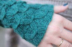 Arm warmers to knit. From Pickles.