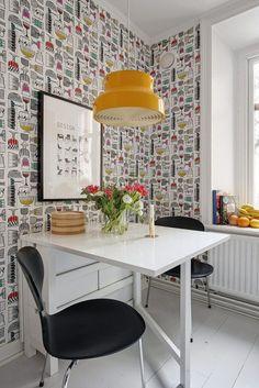 Post: Si, al papel de pared pintado en la cocina --> blog decoración nórdica, cocinas blancas, cocinas modernas pequeñas, decoración cocinas, estilo nórdico, papel de pared para cocinas, papel de pared pintado, revestimientos cocinas #cocinaspequeñasmodernas