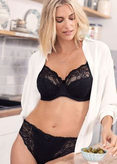fa3379274 Add some elegant ebony with the Fantasie Jacqueline Lace UW Full Cup Bra  with Side Support