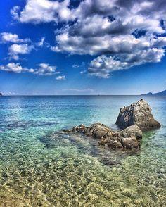 Certe giornate sono semplicemente un regalo. [October. Sardinia or Paradise]. #Sardegna #sea #amazing #seaview #blue #beautiful #sardinia #nature #sardinien #beach #rocks #water #clouds #cloudporn #paradise #igersardegna #italy #sealovers #october #today #autumn #nature #naturelovers #mothernature #spiaggedisardegna #amazing #beautiful #whereilive #travel #volgoitalia #yallersitalia #vacaymode #all_shots