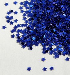Find images and videos about blue, stars and glitter on We Heart It - the app to get lost in what you love. Azul Indigo, Bleu Indigo, Im Blue, Blue And White, Dark Blue, Glitter Azul, Glitter Stars, Blue Glitter, Le Grand Bleu