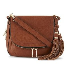 Where fashion meets function, the cross-body bag is the perfectly practical style essential. Discover iconic styles, from Chloé to Mulberry at Selfridges Leather Saddle Bags, Brown Leather Purses, Brown Purses, Leather Handbags, Fall Bags, Purse Styles, Shoulder Handbags, Shoulder Bags, Leather Working