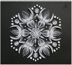 that is beautiful Paper Quilling Flowers, Neli Quilling, Paper Quilling Patterns, Quilled Paper Art, Quilling Paper Craft, Paper Crafts, Quilling Christmas, 3d Christmas, Origami