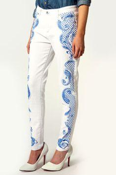 Jessica Full Embroidered Side Skinny Jeans - Boohoo