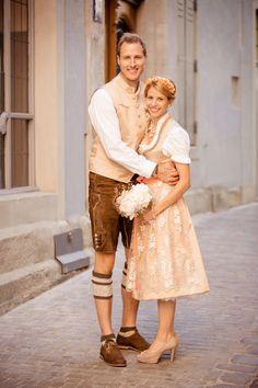 Herzlichen Glückwunsch zur Vermählung <3 Wir gratulieren dem Traumpaar aus Regensburg Lisa & Peter und wünschen eine glückliche Ehe voller Liebe und Vertrauen. Vielen Dank für die schönen Fotos!