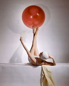 Horst P. Horst - Summer Fashions, American Vogue cover, 15 May, 1941. © Condé Nast/Horst Estate