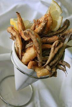 Cucurucho de pescaito frito.