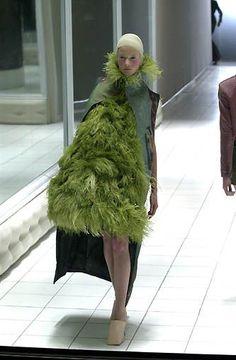 Alexander McQueen Spring/Summer 2001 Repinned by www.fashion.net