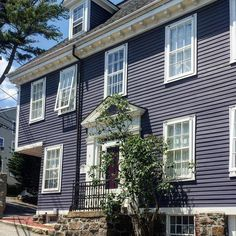 """Marblehead, MA will be featured in the summer issue """"On the Water"""". Have you been to Marblehead? #newengland #marblehead #historictown #thisoldhouse #newenglandstyle #newenglandliving #newenglandlife#newenglandfineliving #coastaltown #seaportvillage"""
