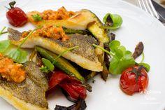 Dix-Huit et l'originale cuisine métissée du Chef Aaron Isip Paris Restaurants, Sea, Chicken, Food, Kitchens, Meals, Yemek, Ocean, Buffalo Chicken
