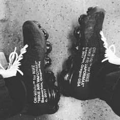 Off-White x Nike Air Vapor Max #sneakers #vapormax #nikelab #nike #hypebeast #off-white #curvypetitefashion Hypebeast, Chula, Milan Fashion Weeks, Runway Fashion, Teen Fashion, Fashion Models, High Fashion, Fashion Tips, Nike Air