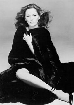 Faye Dunaway #blackglama