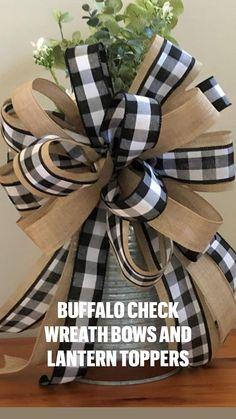 Diy Ribbon, Ribbon Crafts, Wreath Crafts, Diy Wreath, Fall Craft Fairs, Fall Crafts, How To Make A Gift Bow, Retro Apron Patterns, Wreath Bows