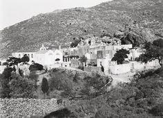"""Σφακιά 1913. Hubert Pernot """"Εξερευνώντας την Ελλάδα. Φωτογραφίες 1898-1913 Mount Rushmore, Mountains, Nature, Painting, Travel, Outdoor, Art, Voyage, Outdoors"""
