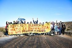 Argentina: Road Blockade Set Up at Barrick Gold's Mining Entrance http://earthfirstjournal.org/newswire/2015/10/23/argentina-road-blockade-set-up-at-barrick-golds-mining-entrance/ …