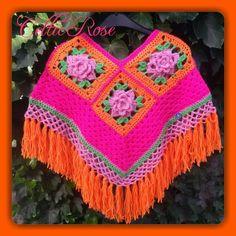Voor lieve kleine meisjes. #haken #poncho #voorjaar #lief #bloem #mooi #roos #kleding #zoet