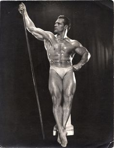Photographs of handsome men from the past. Old Photos, Vintage Photos, Bodybuilding, Emperors New Clothes, Guy Pictures, Pin Up Girls, Male Models, Vintage Men, Beautiful Men