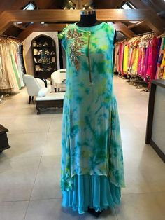 Kurtis: Kurti Sale, Designer Kurtis, Kurti Online, Fancy Kurti for Women Anarkali Dress, Pakistani Dresses, Indian Dresses, Indian Outfits, Georgette Dresses, Anarkali Suits, Stylish Dresses, Simple Dresses, Beautiful Dresses