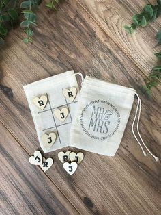 Wedding Gifts Diy Personalized Mr and Mrs tic tac toe modern wedding guest favors or for the kids table at your reception! Wedding Reception Favors, Wedding Gifts For Guests, Wedding Favors For Guests, Unique Wedding Favors, Reception Ideas, Handmade Wedding Gifts, Table Wedding, Wedding Rustic, Wedding Ceremony