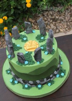 14 Fantastic 'Outlander' Cakes to Celebrate Diana Gabaldon's Birthday
