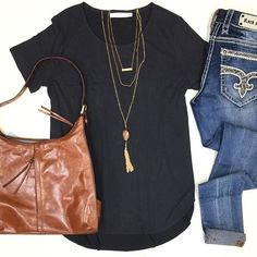 """NEW NEW NEW ••• These favorite pocket tees have just been re-stocked in {4 colors}  charcoal, cloud, coral & periwinkle $34    Made of super soft suede like material soo soft you'll never want to take it off! Featured with; Hobo International Leather Purse $248 • Rock Revival """"Sun"""" Skinny $159 - Shop HT today!✨ #shophoitytoity"""