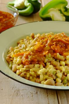Curried Samp and Beans: It may take a little time to prepare but this hearty South African dish is well worth the effort! South African Dishes, South African Recipes, Food Dishes, Main Dishes, Vegetarian Recipes, Cooking Recipes, English Food, Curries, Light Recipes