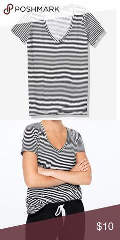 Victoria/'s Secret VS PINK Short Sleeve Essential V Neck Perfect T Top Shirt T BN