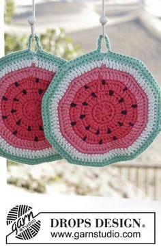 """So Juicy! - Gehäkelte DROPS Wassermelonen Topflappen in """"Paris"""". - Free pattern by DROPS Design"""