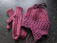 Hat and Mitts for Caity