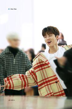 📝 190112 New Kids Repackage fansign in Yeongdeungpo Kim Hanbin Ikon, Yg Ikon, Bobby, Ikon Debut, Blackpink Photos, Kim Dong, Fandom, Cute Korean, My One And Only