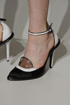 Sapato Reinaldo Lourenço. Mais Acessórios: http://abr.io/2Gqe   Fotos Fotosite
