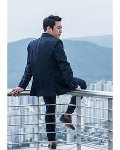 WEBSTA @just.janghyuk.zoi 돈꽃 <Money Flower> New Still cut(Shooting behind),♪ ●PHOTO which cropped Naver Post に綺麗なスチールがたくさん上がりました。 明日初放送❢ 2017. 11.11(土)午後8時45分、2回連続放送 @ajincome . Jang Nara, I Love Him, My Love, Jang Hyuk, Kdrama Actors, Korean Actors, Korean Dramas, Beautiful Beaches, Superman