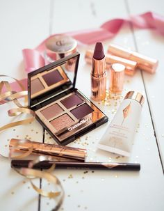 New Charlotte Tilbury Faves. ~ Gemma Louise new charlotte tilbury loves vintage vamp quad walk of shame lipstick wonderglow primer Makeup Blog, Makeup Kit, Beauty Makeup, Glowy Makeup, Rave Makeup, Flawless Makeup, Makeup Routine, Revolution Eyeshadow, Makeup Revolution