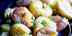 Instant Pot Smashed Potatoes with Garlic Brown Butter 10 Yukon Gold Potatoes, Baby Potatoes, Rustic Potatoes, Crash Hot Potatoes, Toast In The Oven, Potato Toppings, Breakfast Hash, Thing 1, Appetizers