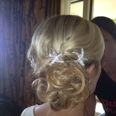 """Great starfish accessories for beach bride. Found in website """" hair comes the bride"""" hair by me Beach Wedding Hair, Wedding Shit, Wedding Stuff, Our Wedding, Bride Hairstyles, Hairstyle Ideas, Hair Ideas, Hair Inspiration, Wedding Inspiration"""