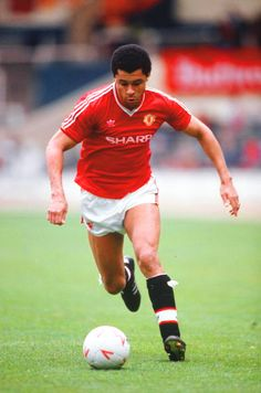 Paul McGrath Man. Utd, Aston Villa & The Rep. of Ireland) Paul made over (450) Senior Appearances and scored (25) goals. He was Capped (83) times for The Rep. of Ireland and notched (8) goals.With Man.Utd he won an FA Cup in 1984/85. With Aston Villa he won a League Cup, and Runner-up medals for the both the Football League Championship (1989/90) & The Premier League(1992/93). Paul played in both the 1990 & 1994 World Cups for The Rep. of Ireland.