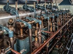 Valve train of an old stationary Werkspoor diesel engine. [OS][2309×1732]