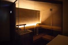 Geheimnisvoll und attraktiv Design Sauna, Sauna Lights, Black Bathtub, Lighting Design, Architecture, Luxury, Spa, Saunas, Home Decor
