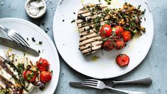 Grilled tuna with tomato, caper, olive and pinenut salsa Recipe Tuna Recipes, Seafood Recipes, Cooking Recipes, Grilled Tuna, Fish Plate, Dinner Party Recipes, Salsa Recipe, Roasted Potatoes, Family Meals