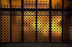 Stáhnout - Dekorativní metal řemene na okno — Stock obrázek #16850963