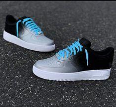 These shoes go hard! Jordan Shoes Girls, Girls Shoes, Sweatshirts Nike, Nike Trainer, Sneakers Fashion, Sneakers Nike, Nike Shoes Air Force, White Nike Shoes, Aesthetic Shoes