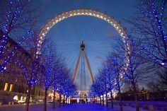The Christmas Lights on the London Eye. Stunning. #London #Veltra