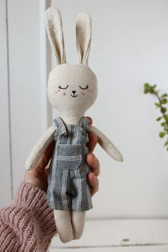 Easter bunny doll with blue striped dungaree. Rabbit doll with overalls. Newborn Toys, Baby Toys, Fabric Fish, Diy Bebe, Fabric Animals, Cute Toys, Sewing Toys, Felt Toys, Fabric Dolls