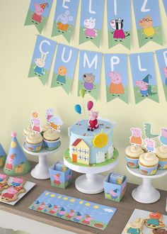 Festa Peppa Pig e George Pig - Elenis Geburtstagsparty - Aniversario Peppa Pig Y George, George Pig Party, George Pig Cake, Tortas Peppa Pig, Cumple Peppa Pig, Peppa Pig Cakes, Peppa Pig Cupcake, First Birthday Parties, Birthday Party Decorations