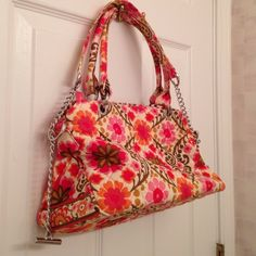 Vera Bradley shoulder bag. NWOT It's so cute girly bag. Never used. Vera Bradley Bags
